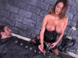 Annisa Kate - Milking Slave by Vibrator Femdom empire