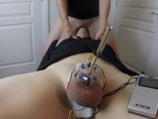 Face Riding Till I Get Off While He Is Locked Up In Electro Chastity | Real Female Orgasm