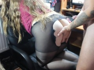 The boy broke the pantyhose and hard fucked an assed girl