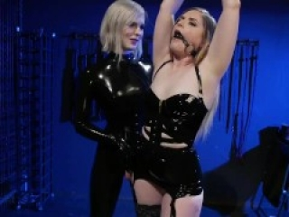 Greedy Latex Slut: Dresden gives up her holes to Ella Hollywood