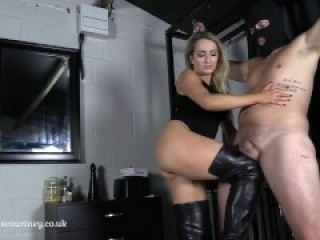 Miss Courtney Introduction Ballbusting