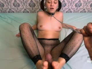 BEAUTY IN STOCKINGS FINGERING COCK FOOT FOOTS IN CUM