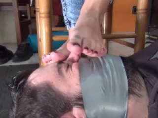 FOOT SMELLING