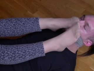 nylon feet sniffing pantyhose foot smelling