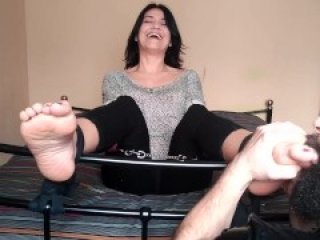 Milf latina tickle lickle feet