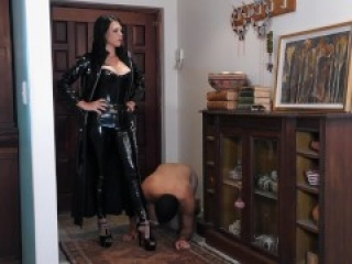 Living On The Edge - Femdom slave is used for Her amusement Preview - Young Goddess Kim